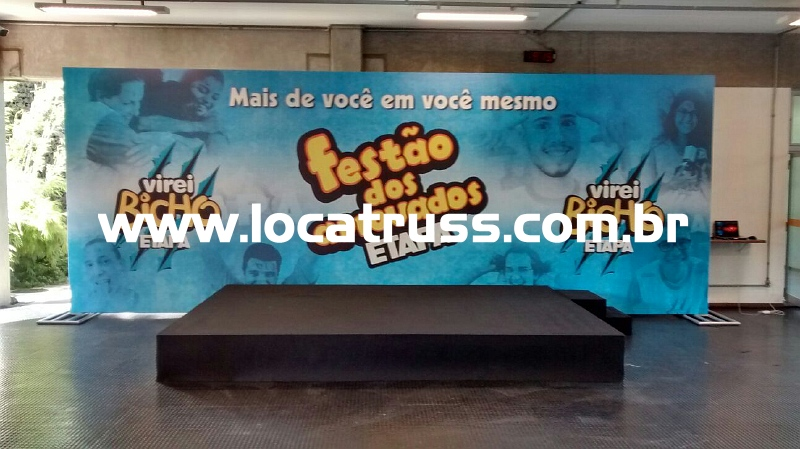 Backdrop e Palco para Evento