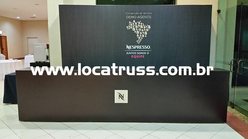 Balcão de Credenciamento e Backdrop Personalizado