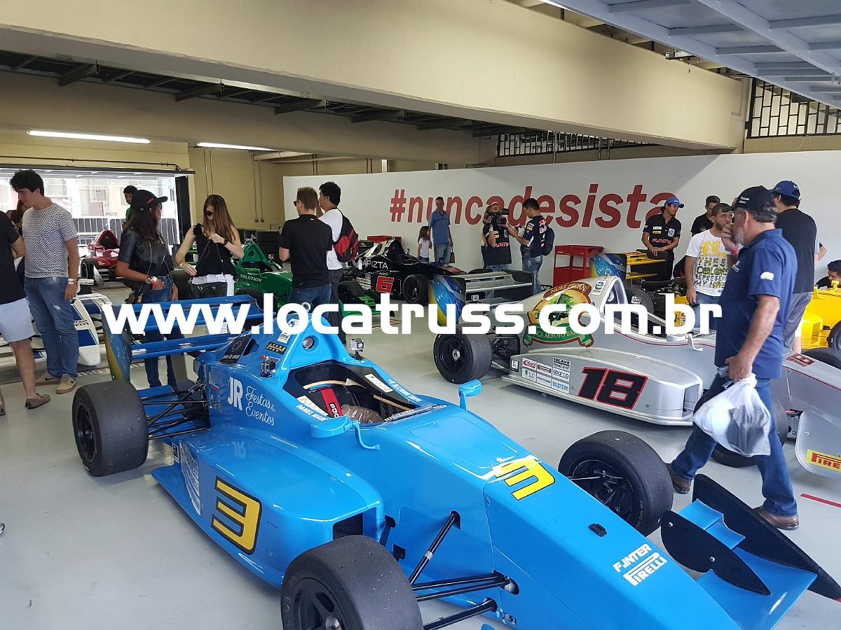 Cenografia para corridas Box Interlagos Fórmula